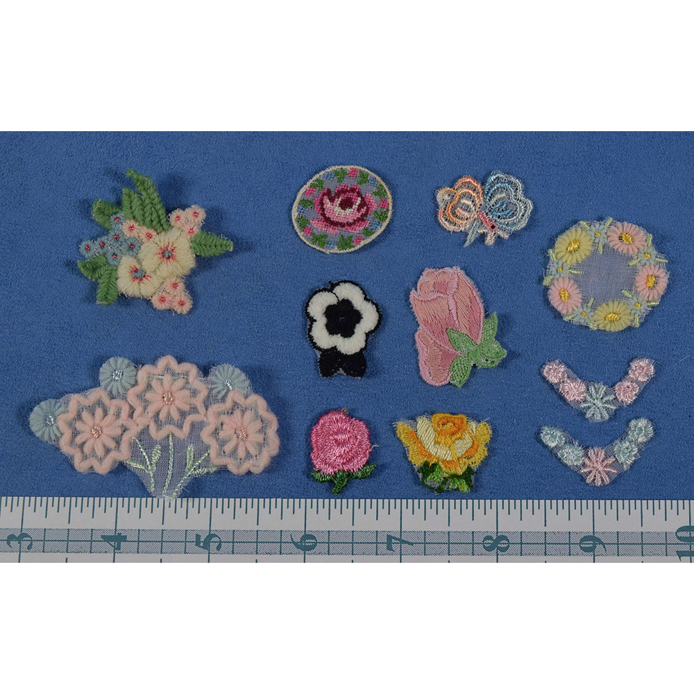 Pick Swiss Vintage Small Embroidered Floral Trim (3)