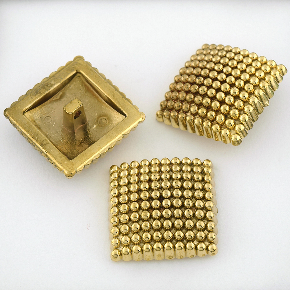 45L (29mm) Novelty Gold Metal Button